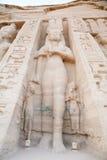 Große Skulptur Nefertari in Abu Simbel Lizenzfreie Stockbilder