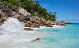 Große Steine auf dem Strand Lizenzfreie Stockfotos