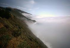 Große Sur Nebel-Querneigung stockfotografie