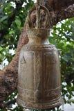 Große traditionelle Glocke zwei am Affeberg Khao Takiab in Hua Hin, Thailand, Asien Stockfotos