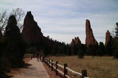 Große und hohe Felsenberge stockbild