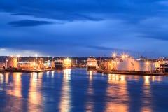 Große Versorgungsschiffe in Aberdeen-Hafen am 27. Januar 2016 Stockfotografie