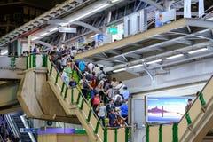 Große Verzögerungen für BTSbenutzer heute Stockbilder