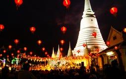 Große weiße Pagode an wat prayul, Bangkok, Thailand Stockfotos
