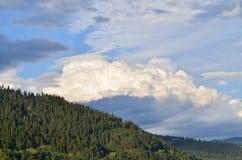 Große weiße Wolke Stockfotos