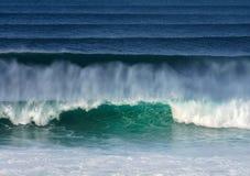 Große Wellen stockbilder
