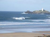 Große Wellen in Cornwall Stockbild