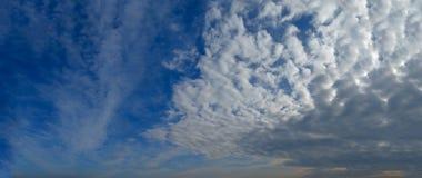 Große Wolken Stockfotografie