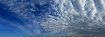 Große Wolken Lizenzfreie Stockbilder