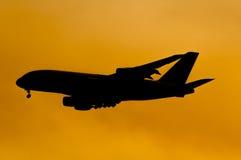 Großer Aeroplan-Anflug Stockbild