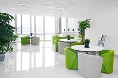 Großer Büroaufenthaltsraum Lizenzfreie Stockfotos