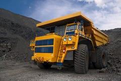 Großer Bergbau-LKW lizenzfreie stockfotografie