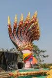 Großer Beton des Symbols viele von Phaya-Nagas, thailändischer Drache Stockbilder