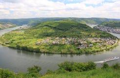 Großer Bogen des Rhein-Tales nahe Boppard, Deutschland. Lizenzfreie Stockfotografie