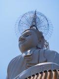 Großer Buddha auf Himmel in Thailand Stockfoto