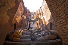 Großer Buddha-wat sri Kumpel in historischem Park Sukhothai stockbild