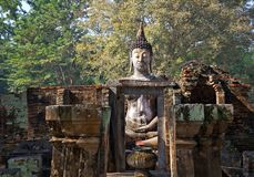Großer Buddha-wat sri Kumpel in historischem Park Sukhothai lizenzfreie stockfotos