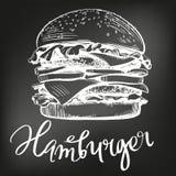 Großer Burger, Vektor-Illustrationsskizze des Hamburgers Hand gezeichnete Kreidemenü Retro- Art stock abbildung