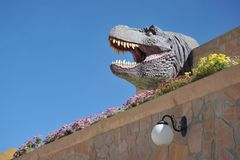Großer Dinosaurier Park, wo Spuren dieser alten Reptilien stockfotografie