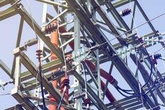 Großer Elektrizitätsübertragungs-Mast Lizenzfreie Stockfotografie