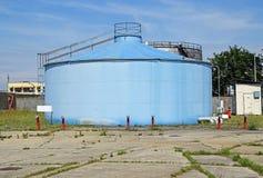 Großer Gasbehälter Stockfotos