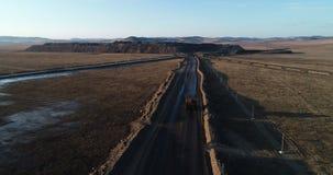 Großer gelber Bergbau-LKW stock video footage