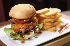 Großer Hamburger Stockbild