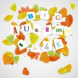 Großer Herbstverkauf mit bunten Blättern Stockbilder