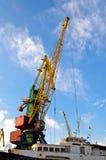 Großer industrieller Kran für Ladung stockfoto