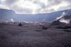 Großer Krater im Vulkan-Nationalpark, große Insel von Hawaii stockfotos