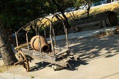 Großer Krug hergestellt vom Lehm lizenzfreie stockfotos
