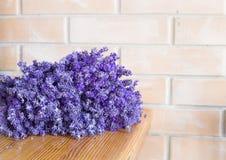 Großer Lavendelblumenstrauß stockfotografie