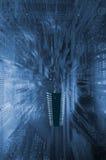 Großer Mikrochip gegen ein Stromkreisbrett Stockfotografie