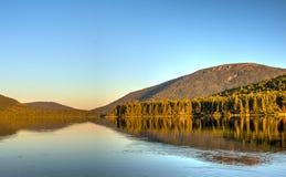 Großer Nictau See und Berg Sagamook in New-Brunswick stockfotografie