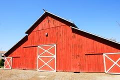 Großer roter Stall Stockbilder