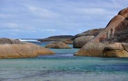 Großer südlicher Ozean mit Granit-Felsen, West-Australien Lizenzfreie Stockfotos