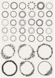 Großer Satz wenn Hand gezeichnete Lorbeer- und Kranzkreise für Gestaltungselemente stock abbildung