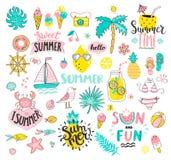 Großer Sommersatz gezogene Elemente der Sonne und der Spaßhand vektor abbildung