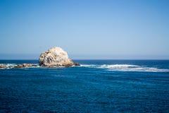 Großer Stein im Strand Lizenzfreies Stockfoto