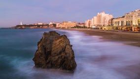 Großer Strand Biarritz an der Dämmerung Lizenzfreies Stockfoto