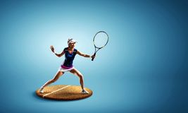 Großer Tennisspieler Gemischte Medien stockfoto