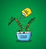 Großer Topf Suppe mit Gewürzen und Gemüse Stockfotografie