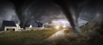 Großer Tornadounfall Stockfotos