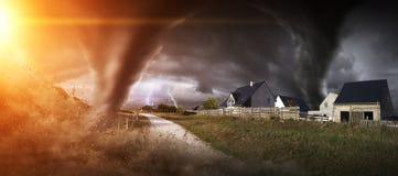 Großer Tornadounfall Lizenzfreie Stockfotografie