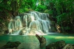 Großer Wasserfall in Kanchanaburi Stockbild