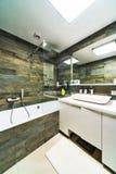 Großes Badezimmer Stockbilder