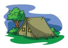 Großes blaues Zelt in einer Mitte des Waldes Lizenzfreies Stockbild
