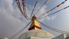 Großes buddhistisches stupa in Kathmandu stock video