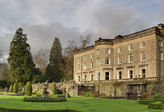 Großes englisches Landhaus und Garten Lizenzfreies Stockfoto