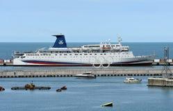 Großes Fahrgastschiff Stockbild